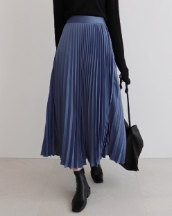 Pleats satin skirt, blue