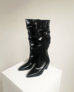 glossy wrinkle long boots