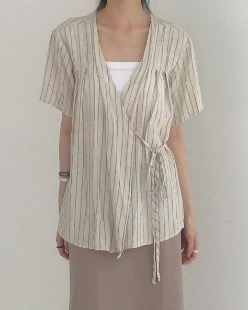 normal wrap blouse